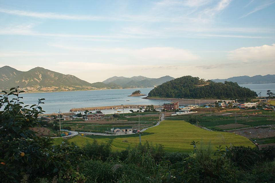Sindeok Beach (116k image)